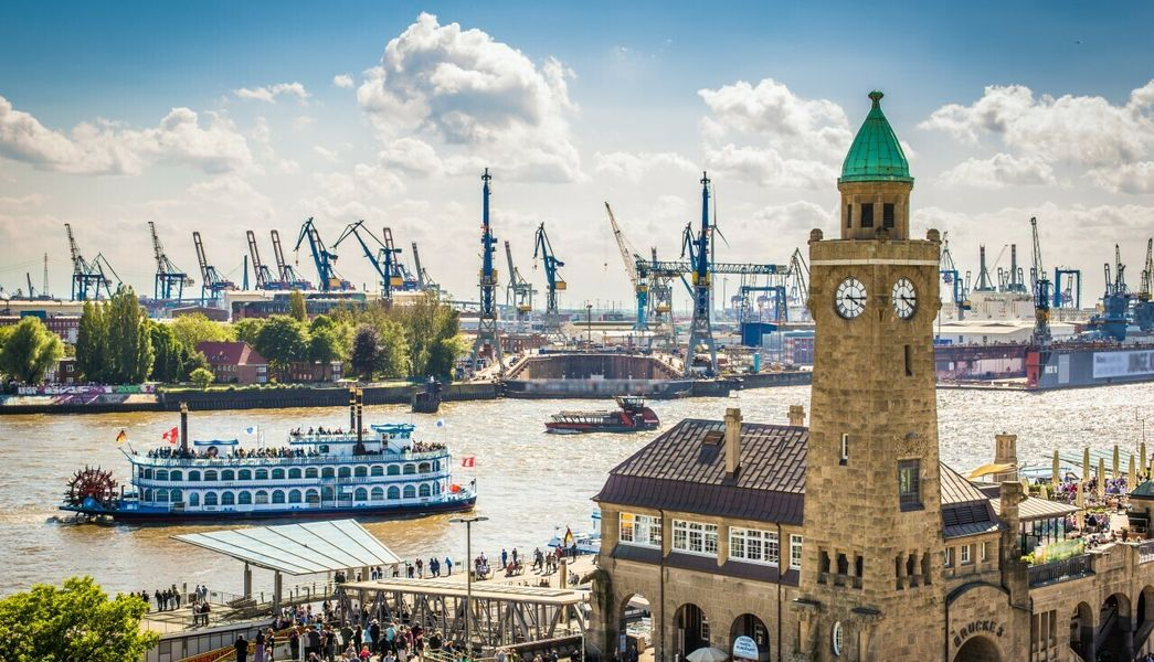 Hamburg@powell83_AdobeStock_164720886